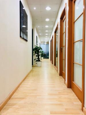 INDEPENDENT OFFICES. AED 25,000. MUSALLA TOWERS. NEAR FAHIDI METRO STATION