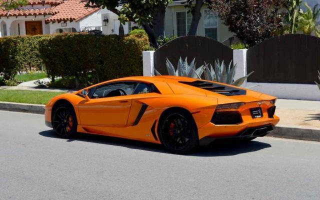 Top luxury Car rental service provider