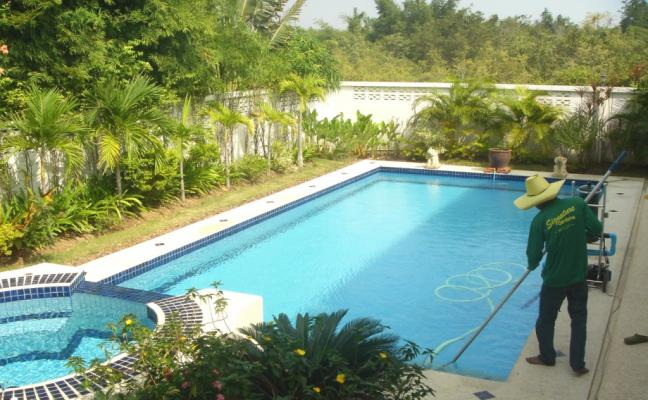Swimming Pool Maintenance in Dubai