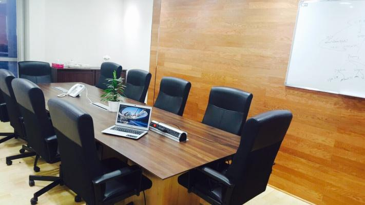 AED 25,000 | PREMIUM FURNISHED OFFICES | MUSALLA TOWERS | NEAR FAHIDI METRO STATION