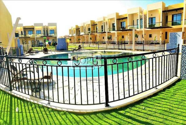 2 BR townhouse in sahara meadows 2 for rent
