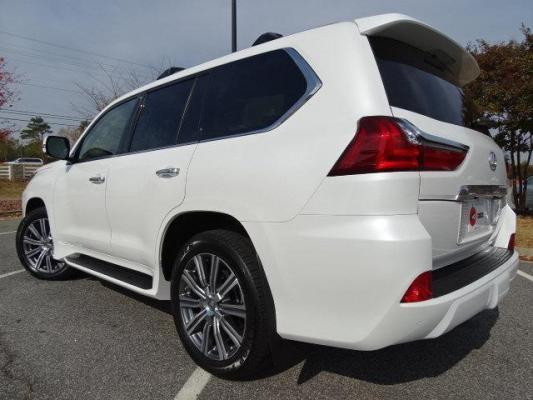 2016 أبيض/بيج LX 570 لكزس
