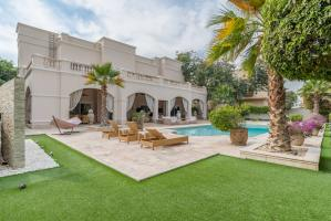 Emirates Hills Family Villa