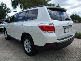2012 Toyota Highlander LE