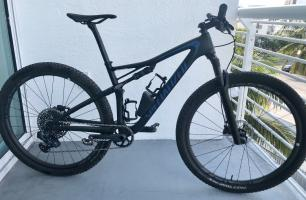 2018 Specialized Epic Pro Sram Eagle AXS Size Med